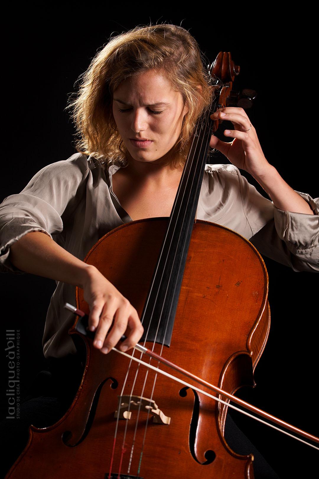 Elisa Huteau au violoncelle