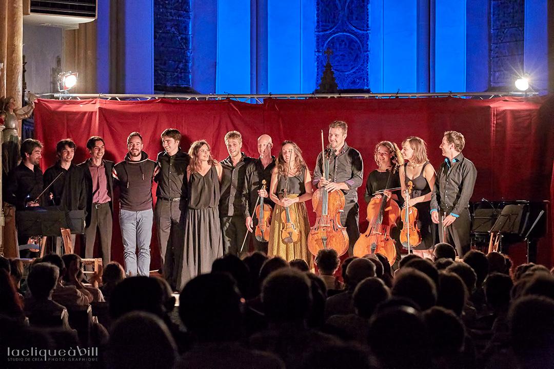 Concert du dimanche du festival des Montagnes du Matin. Les 13 musiciens de Jeux d'Ensemble de ce cru 2015.